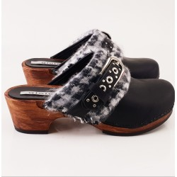 confy winter clogs with buckle