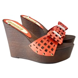 WEDGE RED CLOGS
