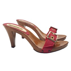 ROTE HOLZSCHUHE MIT SCHNALLE