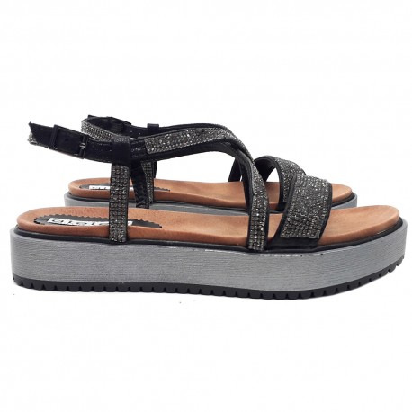 BLACK SANDALS WITH STRASS