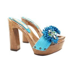 TURQUOISE CLOGS WITH COMFY HEEL AND JEWEL ACCESSORY